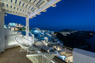santorini-suites-nefeli-homes-11