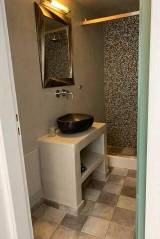 double-room-nefeli-homes-bathroom