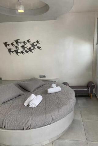 double-room-nefeli-homes-bedroom