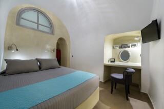 santorini-cave-apartment-caldera-view-03