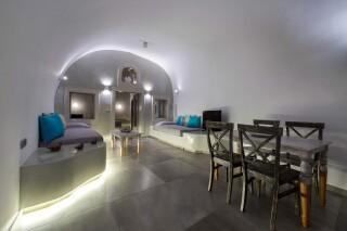 santorini-cave-apartment-hot-tub-01