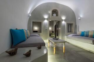 santorini-cave-apartment-hot-tub-02