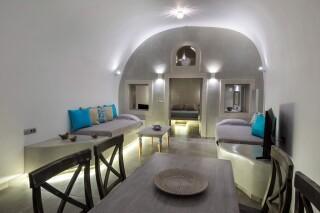 santorini-cave-apartment-hot-tub-06